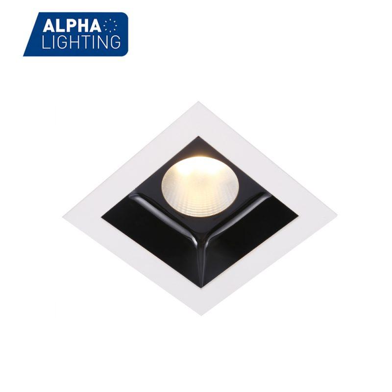 Square led recessed downlight